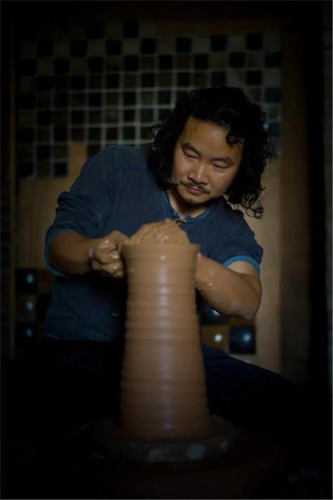 杨英才   中国陶瓷设计艺术大师